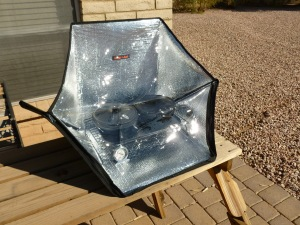 Sunflair solar oven with pots